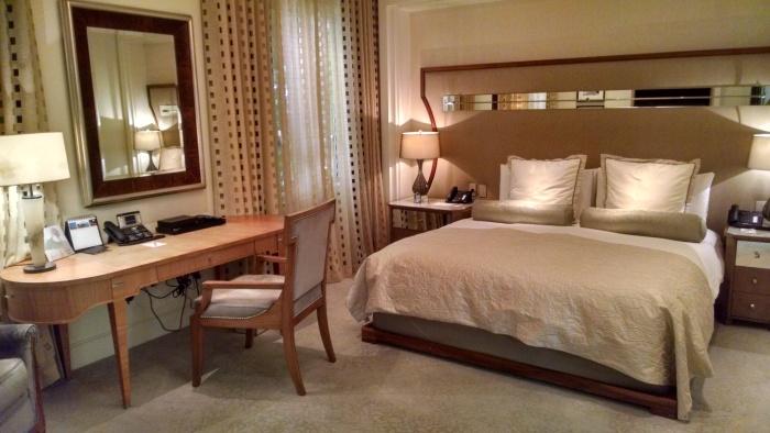 Beverly Hills Hotel - Sleeping Room